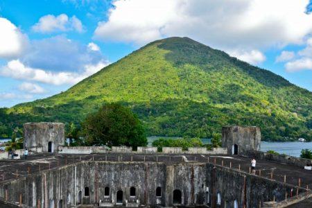 Cara Terbaik Berkunjung ke Benteng Duurstede di Maluku