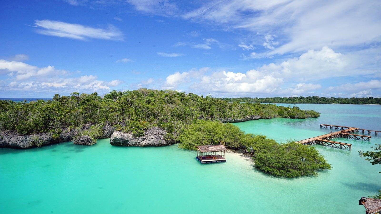 Inilah 7 Destinasi Wisata Pantai Terpopuler di Maluku