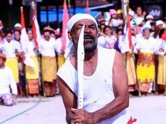 MA'ATENU Tradisi Uji Kekebalan Senjata Tajam di Desa Pelauw